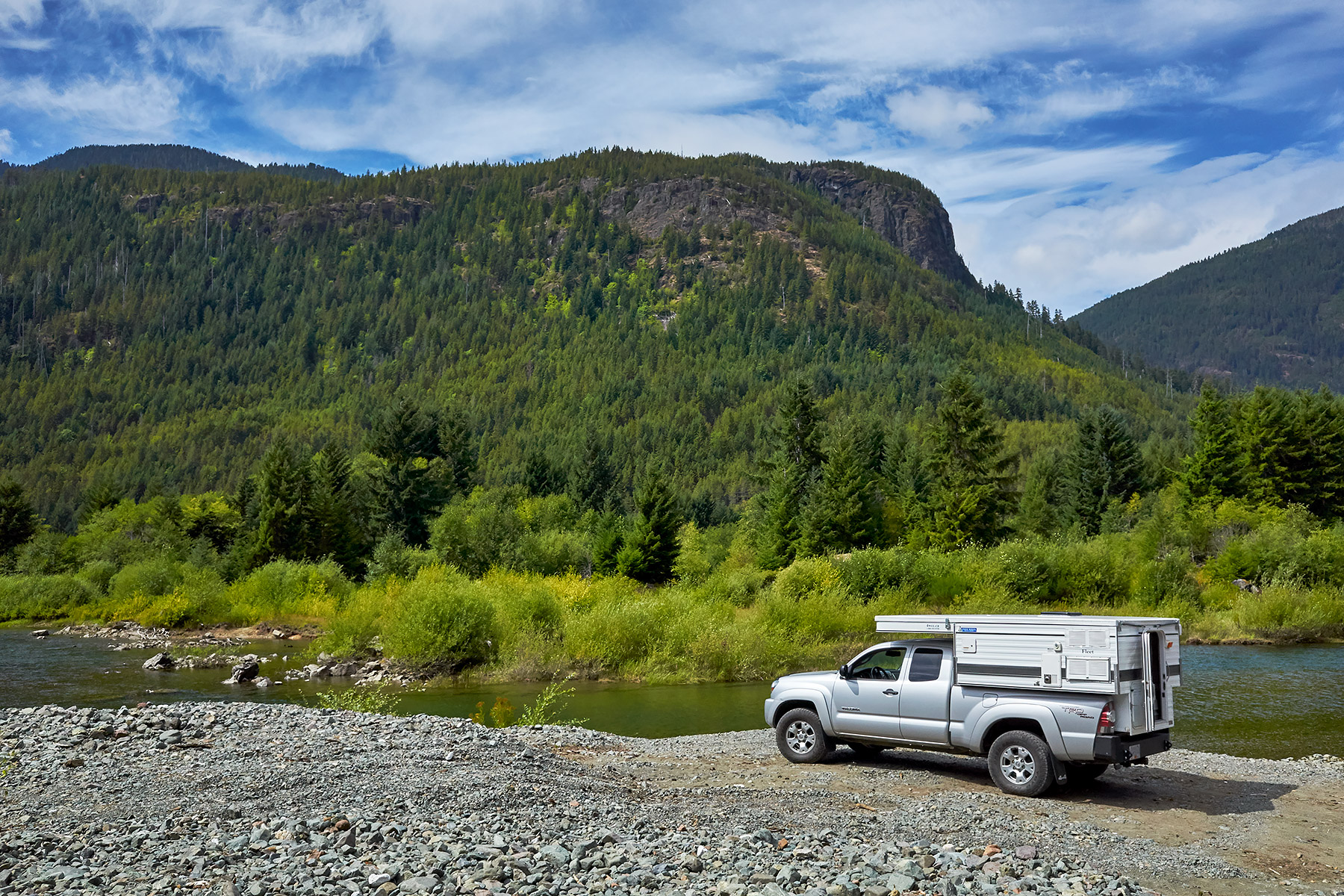 Lunch stop in Strathcona Provincial Park ©johncameron.ca