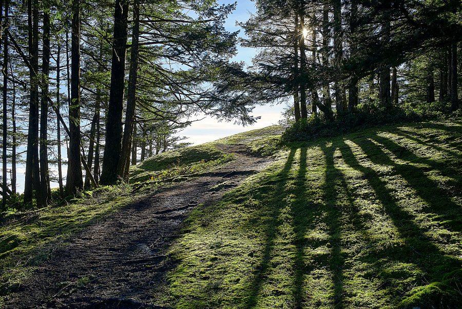 Hiking Maxwell ©johncameron.ca
