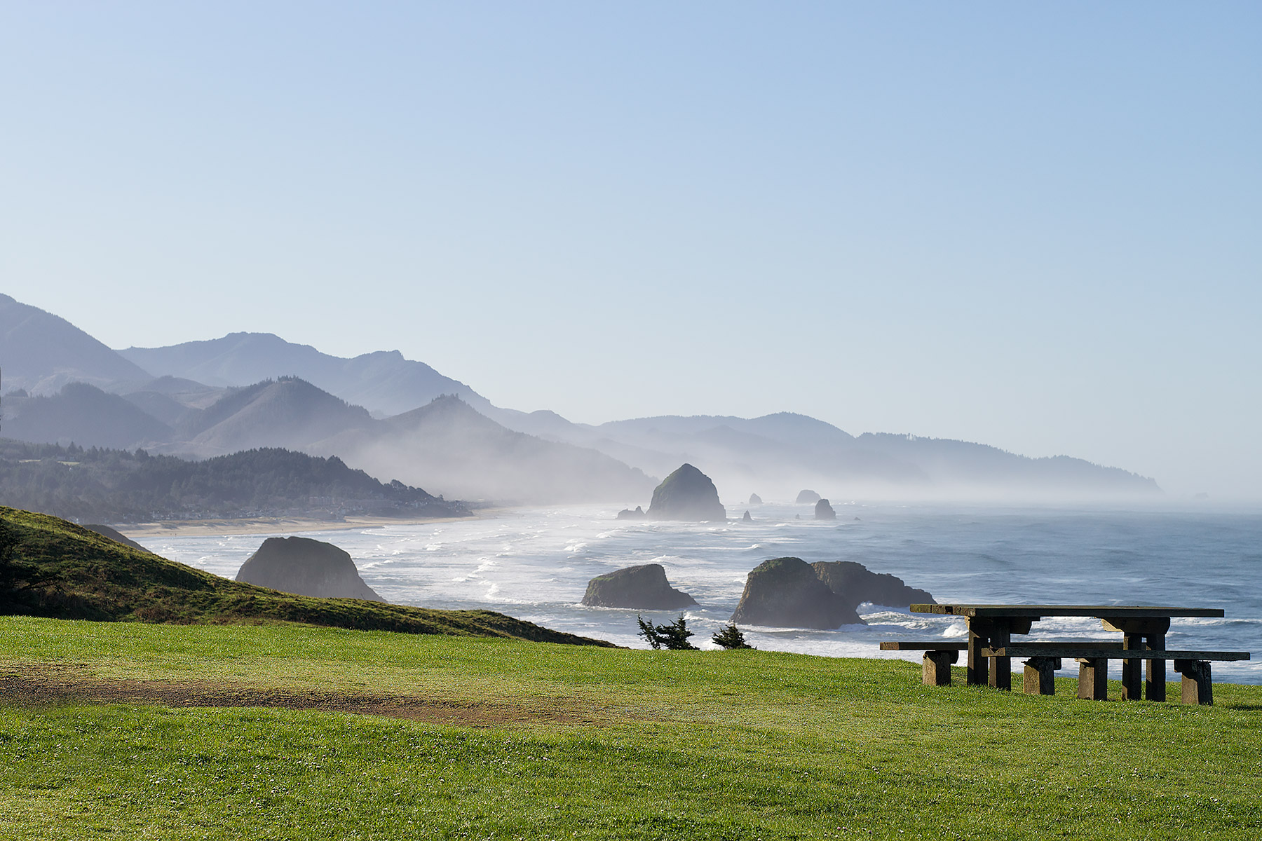 Lunch Stop near Cannon Beach, Oregon © johncameron.ca