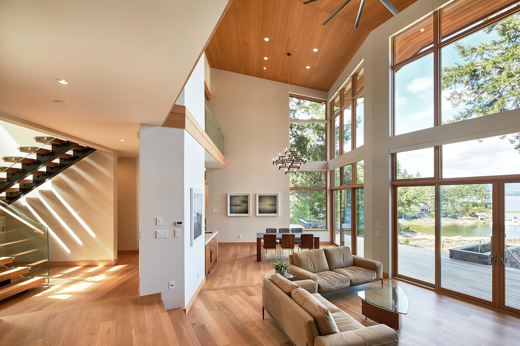 oceanfront home great room
